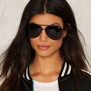 Quay Vivienne aviator sunglasses NWT